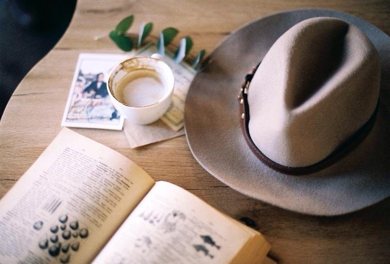 Шесть вещей, которые нельзя держать на столе