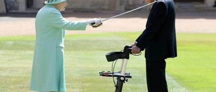 Весь світ аплодує стоячи.  За вчинок 100-літнього ветерана королева Єлизавета II посвятила його в лицарі