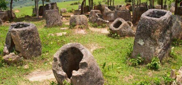 Загадка Долини глеків: хто і навіщо створив гігантські кам'яні горщики?